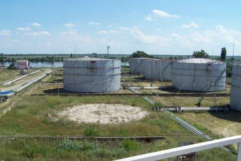 Суд знову арештував нафтобазу в Херсоні