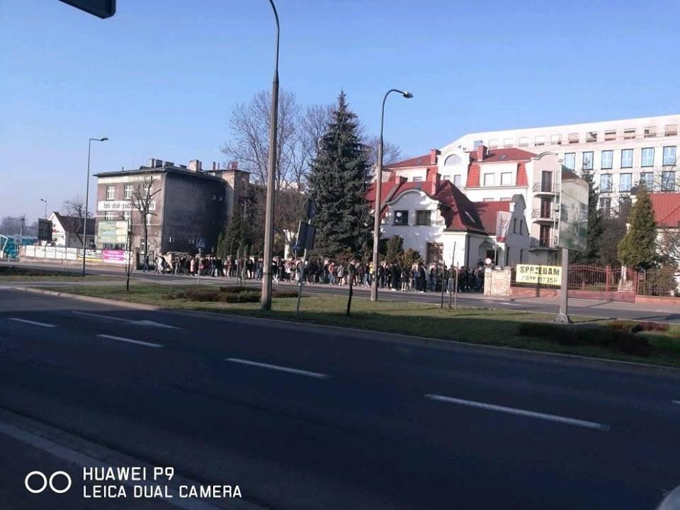 Очередь на избирательном участке в Кракове