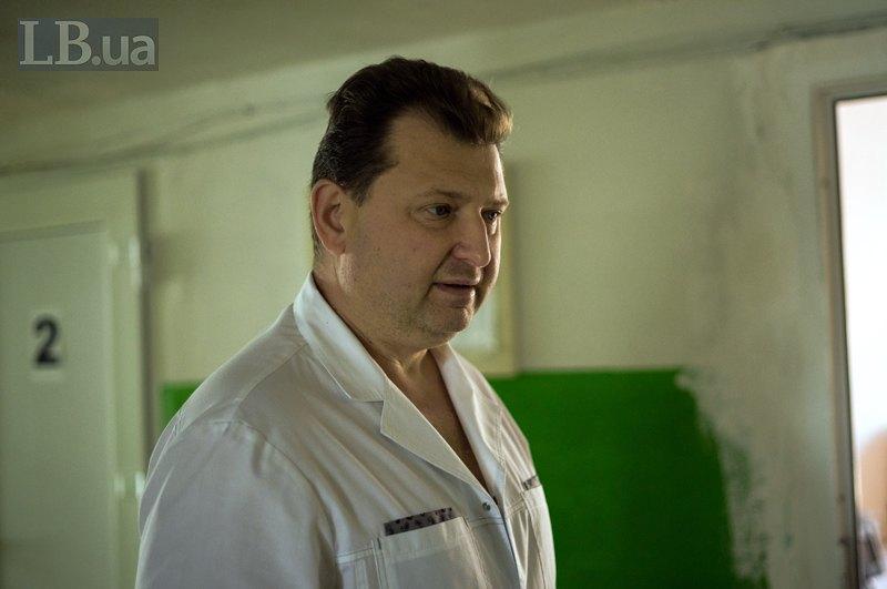 Борис Миколайович, 23 роки працює патологоанатомом у Білій Церкві.