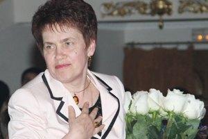 Дружина Януковича скупилася в донецькому супермаркеті