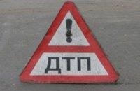 В Житомирской области грузовик перевернулся на легковушку