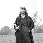«Під скляним ковпаком» Сильвії Плат: мистецтво повільно помирати