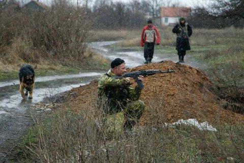 Бойовики обстріляли військових біля Новотроїцького