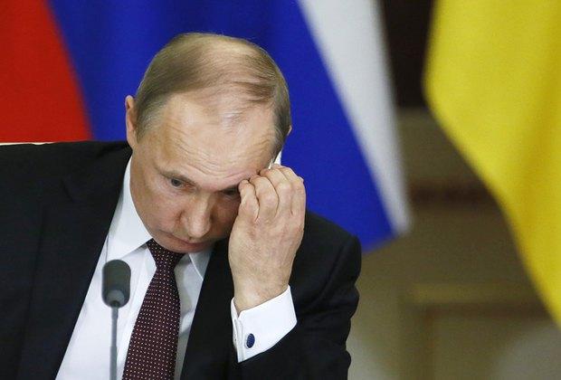 Президент России Владимир Путин может поддержать украинскую гривну кредитами. Но пока не хочет