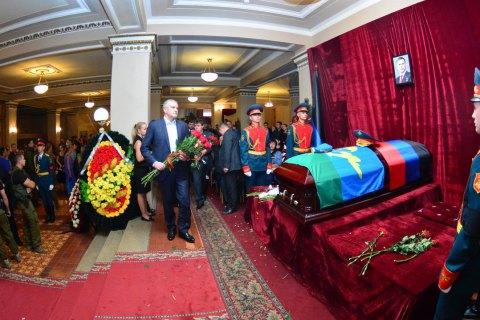 Крымские сепаратисты Аксенов и Поклонская приехали на похороны Захарченко в Донецк