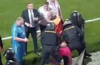 Чешская полиция в жесткой форме задержала 8 болельщиков Украины сразу после матча Лиги Наций