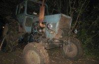 """Пьяные россияне на тракторе """"вторглись"""" в Украину"""