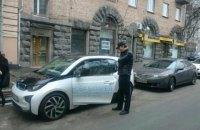 Омелян пересел на электрокар BMW
