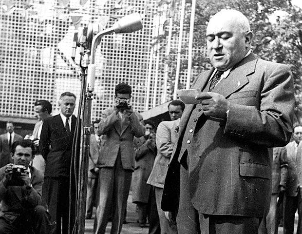 Матьяш Ракоши выступает в Будапеште, 1948 г