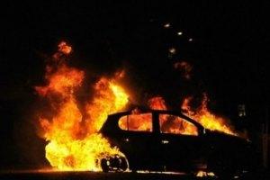 """В Ужгороде сожгли автомобиль заммэра-""""регионала"""""""