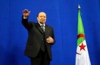 Президент Алжиру склав повноваження після 20 років правління