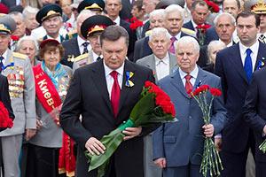 Президент почтил память павших в годы ВОВ