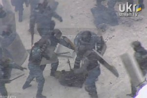 """Під час атаки """"Беркута"""" затримано щонайменше 40 осіб"""