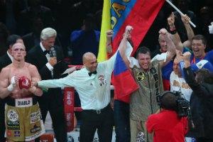 Дрозд, побив поляка, стал новым чемпионом WBC