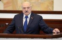 Лукашенко звинуватив Захід у спробі удушення Білорусі і пригрозив світовою війною