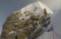 """Альпіністи підтвердили обвалення схилу """"Сходинка Гілларі"""" біля вершини Евересту"""