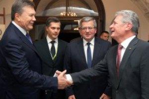 Янукович начал переговоры с президентами трех европейских стран