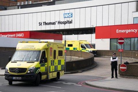 """Великобритании предрекают """"самый мрачный в Европе"""" сценарий эпидемии"""