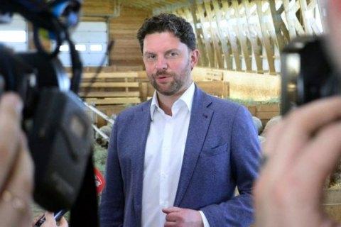Партия Вакарчука сняла с выборов кандидата, оказавшегося зятем Загория