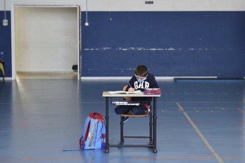 Если коронавирус подтвердится хотя бы у одного ученика, на обязательную 14-дневную самоизоляцию пойдет весь класс, - Ляшко