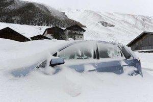 Снегопад парализовал жизнь румын
