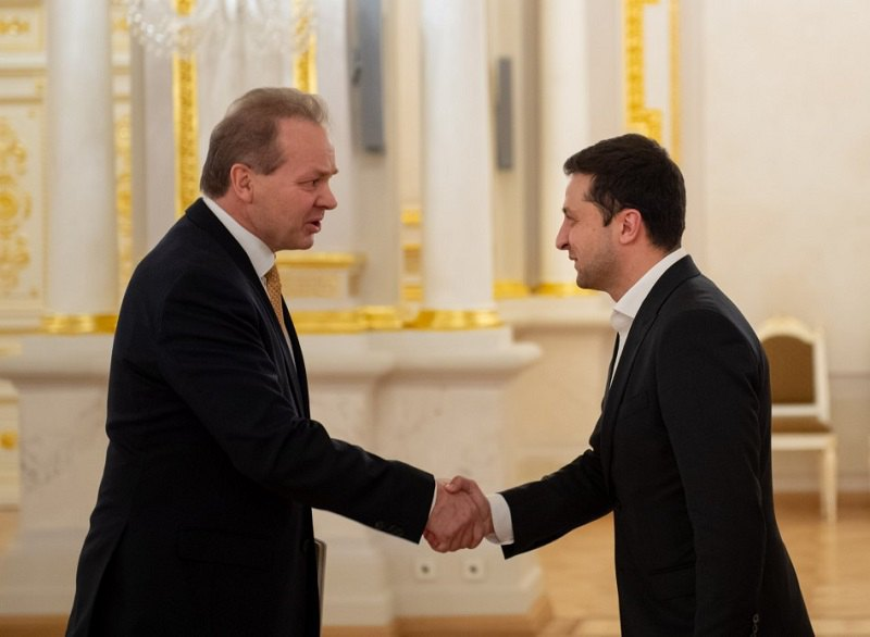 Владимир Зеленский и посол Швейцарии в Украине Клод Вильде