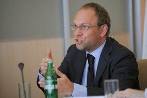 Власенко: Більдта до Тимошенко не пустили всупереч закону