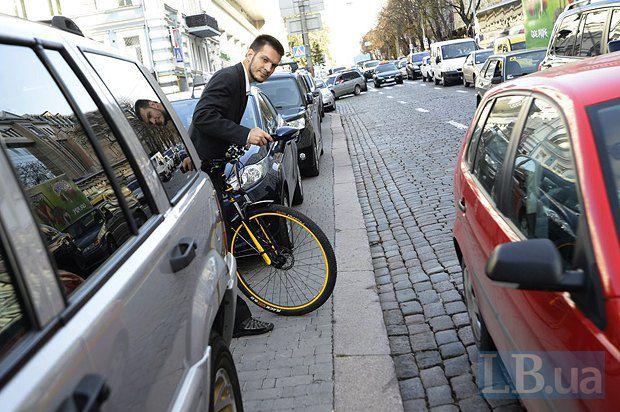 Проблема з велотранспортом в Києві турбує багатьох киян