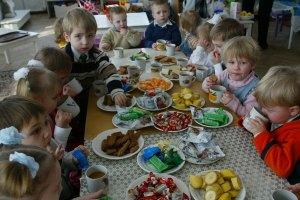 В Киеве школьный завтрак стоит 7,40 грн, в Луцке – 2,50