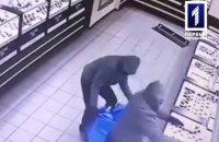 Четверо чоловіків у масках пограбували ювелірний магазин у Кривому Розі