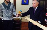 У кабінеті заступника Авакова знайшли вмонтовану у двері відеокамеру