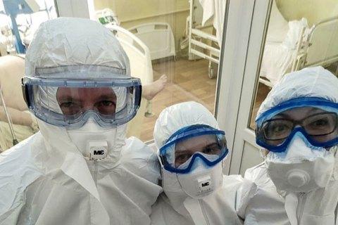 Зеленський закликав захистити лікарів, яких керівництво медзакладів змушує приховувати інфікування COVID-19