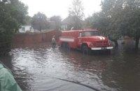 Непогода обесточила 43 населенных пункта в трех областях, повреждено 140 домов