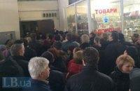 На Володимирський ринок у Києві прийшли автоматники