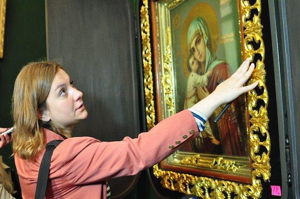 Со-куратор выставки Алиса Ложкина