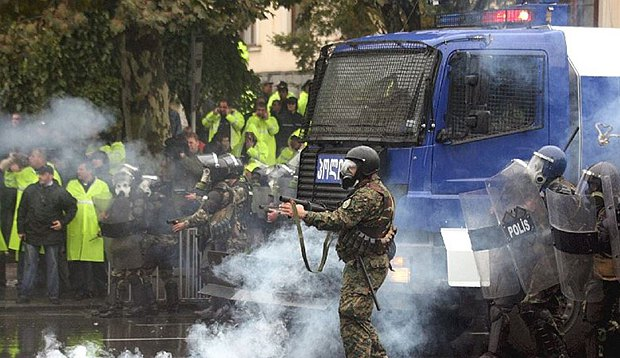Во время разгона митинга 7 ноября 2007 года , пострадало более 500 человек