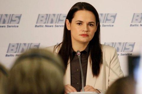 Світлану Алексієвич не заарештують і не видворять з Білорусі, - Тихановська