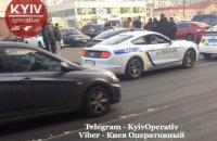 """У Києві затримали """"Мустанг"""", розфарбований у кольори поліції"""