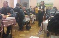 """""""Беркутовцы"""" подкрепились в столовой Кабмина"""