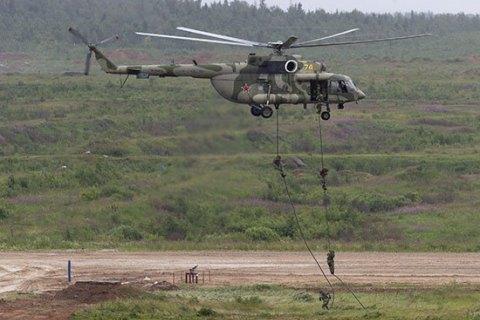 В окупованому Криму РФ відпрацьовує висадку десанту з вертольотів