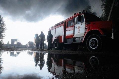 Четверо спасателей пострадали при тушении пожара в Днепре