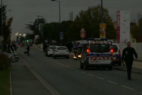 Во Франции автомобиль въехал в толпу, трое студентов пострадали