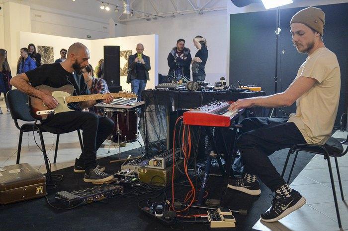 Ptakh_Jung підчас музичного перформенсу в рамках проекту 'Чорний Період' Олекси Манна