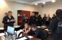 ДБР повідомило про підозру у тортурах двох патрульних Одеси