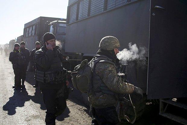 Военные по дороге из Дебальцево 18 февраля