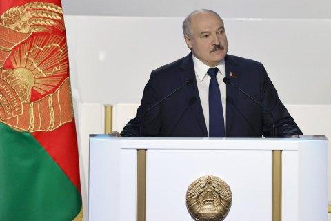 """Лукашенко заявил, что иностранные спецслужбы готовили покушение на него и хотели """"посадить в погреб"""" его детей"""