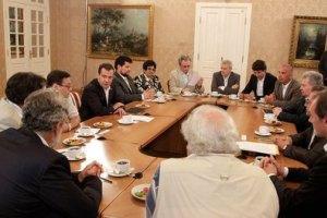 """Медведев настаивает: правильно говорить """"на"""" Украине"""