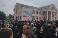 В Ровенской области на встрече с нардепом подрались представители Нацкорпуса и полиция
