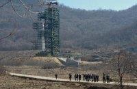 В КНДР завершена установка ракеты на стартовую площадку