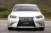 Угнанный Lexus обошелся страховщику в 315 тыс. грн